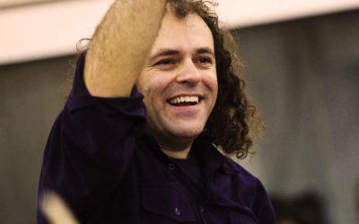 Ο Νίκος Πλατύραχος μιλάει για τα νέα του τραγούδια που παρουσιάζει στην Κληματαριά